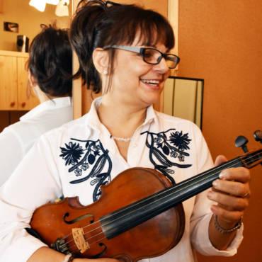 Mgr. Claudia Štofirová