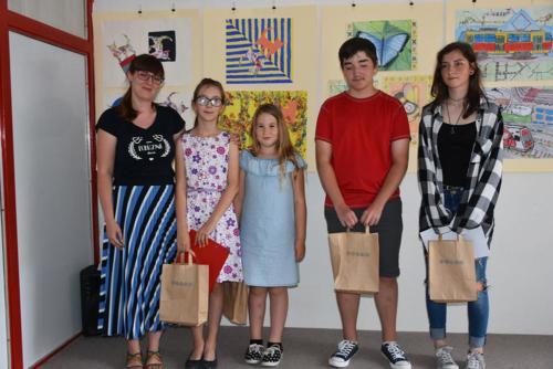 VYSTAVA VÝTVARNÝ ODBOR DETI 2019 UČITEĽKA S.ŠTULEROVÁ 14
