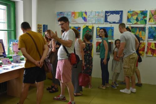 VYSTAVA VÝTVARNÝ ODBOR DETI 2019 UČITEĽKA S.ŠTULEROVÁ 20